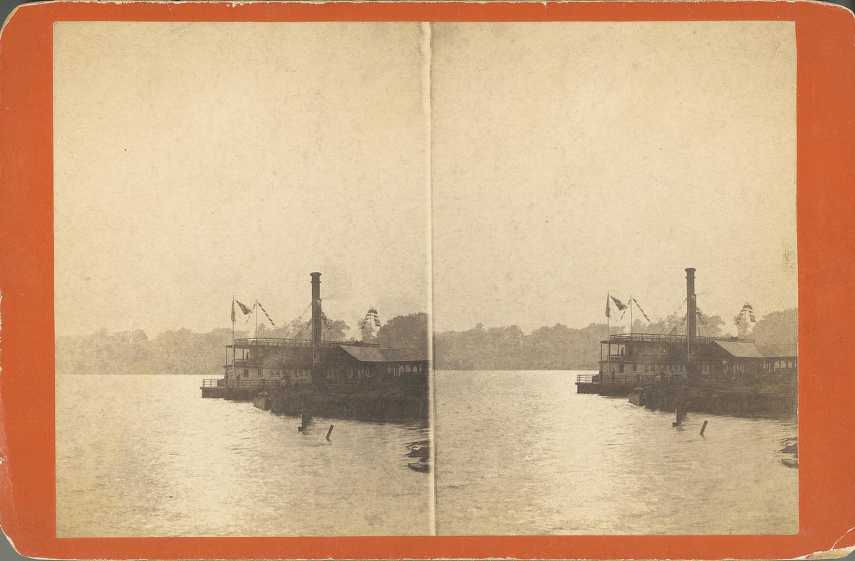 Steamboat on Saratoga Lake