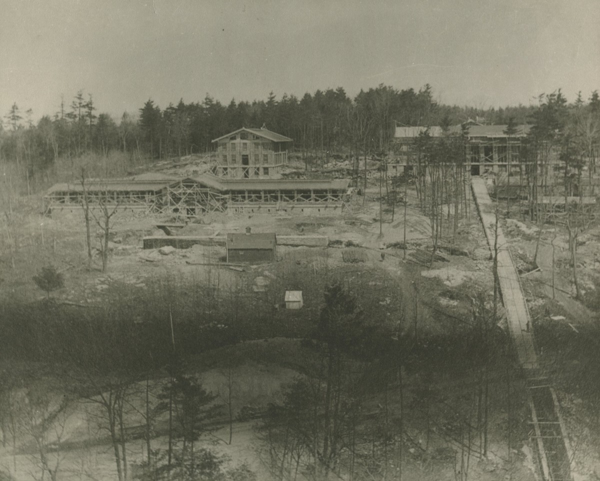 MetLife Construction c.1913.jpg