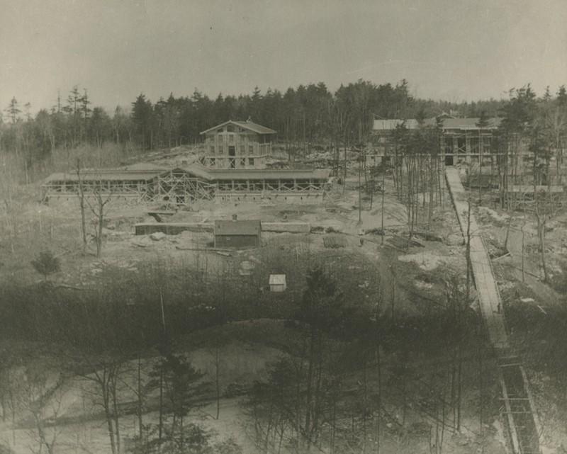 MetLife Construction c.1913.jpg